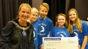 Ordfører Christine Sagen Helgø stilte med penger til Byfjord skole. Foto: Stavanger kommune.